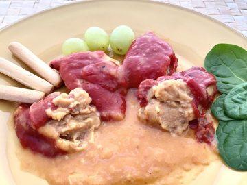 Pimientos piquillo rellenos de merluza y gambas.
